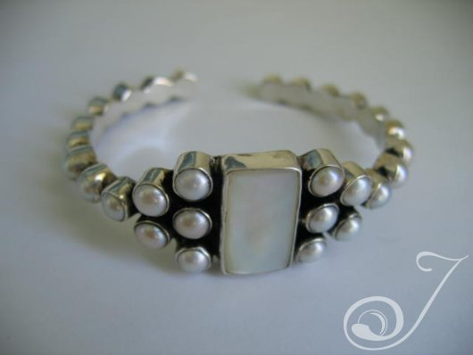 Goddess White Pearl Bangle