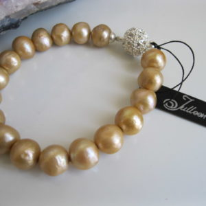 Classical Gold Pearl Bracelet