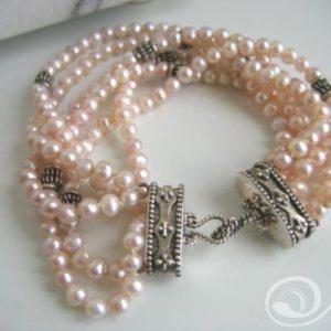 Kelly Pink Pearl Bracelet