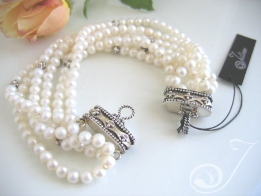 Kelly White Pearl Bracelet