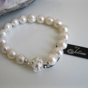 Classical White Pearl Bracelet