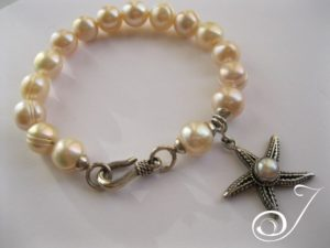 Pink-Pearl-Bracelet-Star-Fish-Charm-Julleen6