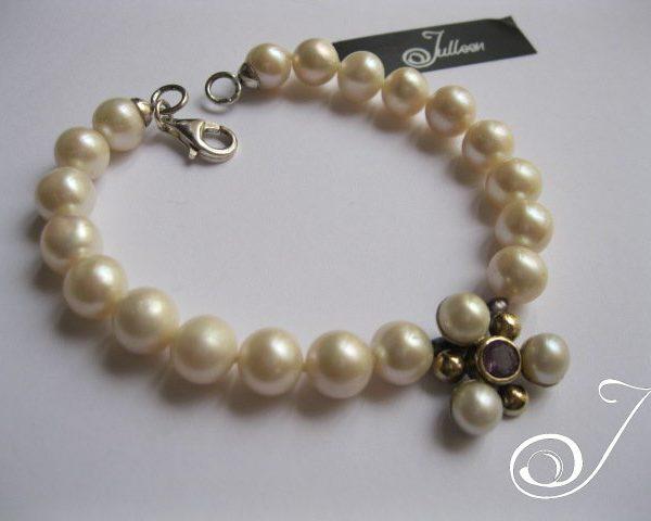 pearl-and-flower-bracelet-amethyst