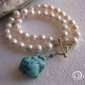 blue-turquoise-charm-pearl-bracelet