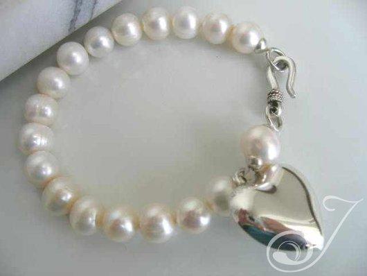 French Heart Pearl Bracelet
