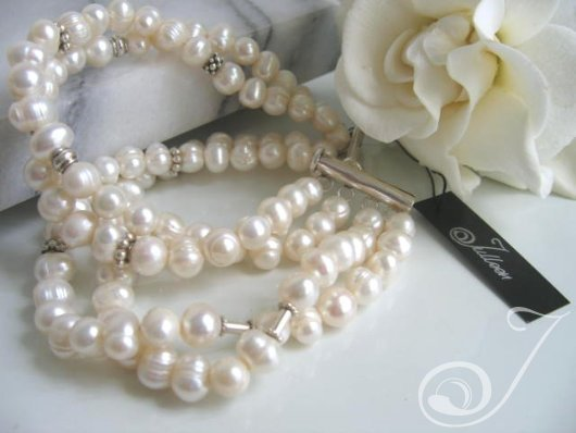 Gardenia White Pearl Cuff Bracelet