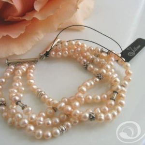 Peachy Crush Pearl Cuff Bracelet